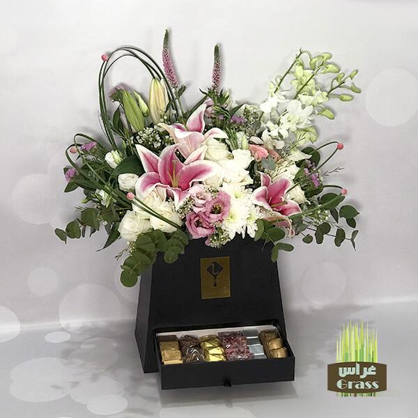 Pyramids Black Box LU'CHOCO Chocolate with Flower 480 Gram